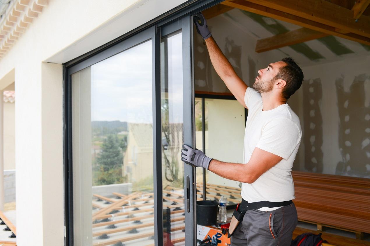 Jak rozjaśnić mieszkanie za pomocą odpowiedniej szyby?
