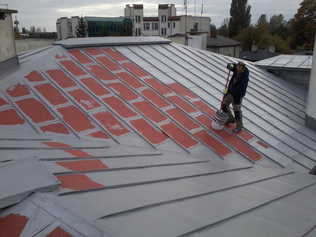 Hydroizolacja dachu – uszczelnianie dachu z papy