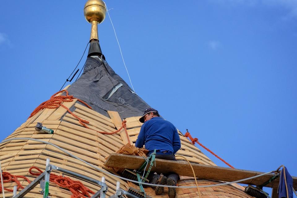 Remont dachu – o czym pamiętać?