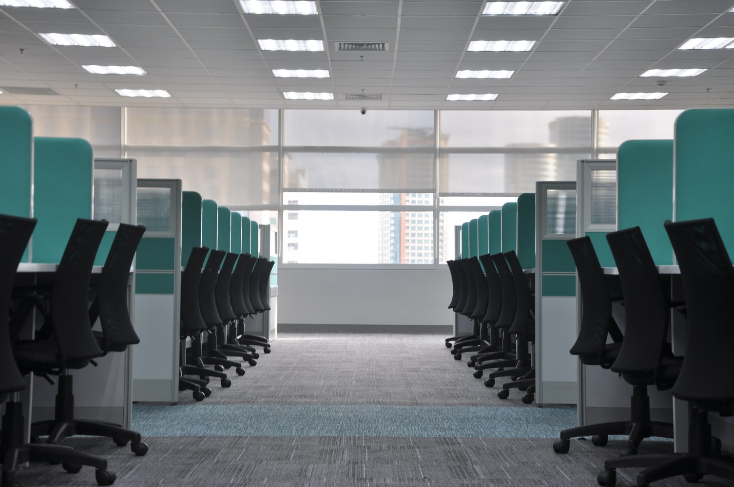 Środki ostrożności w biurze podczas epidemii koronawirusa