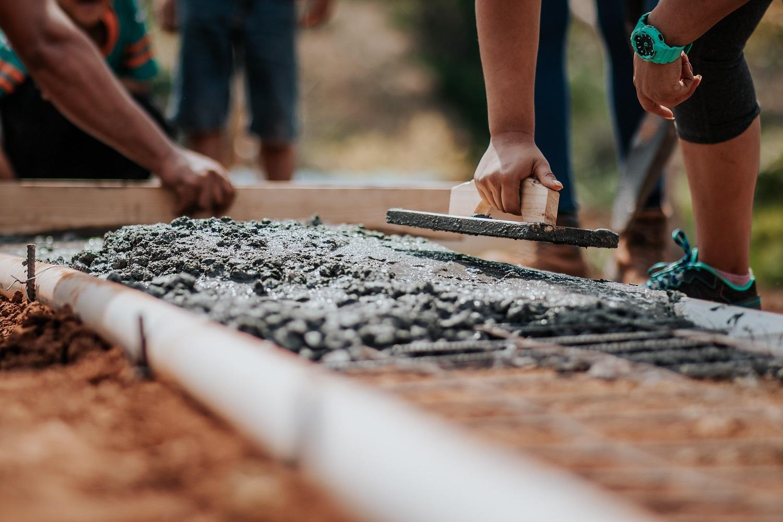 Farby do betonu – rodzaje i zastosowanie