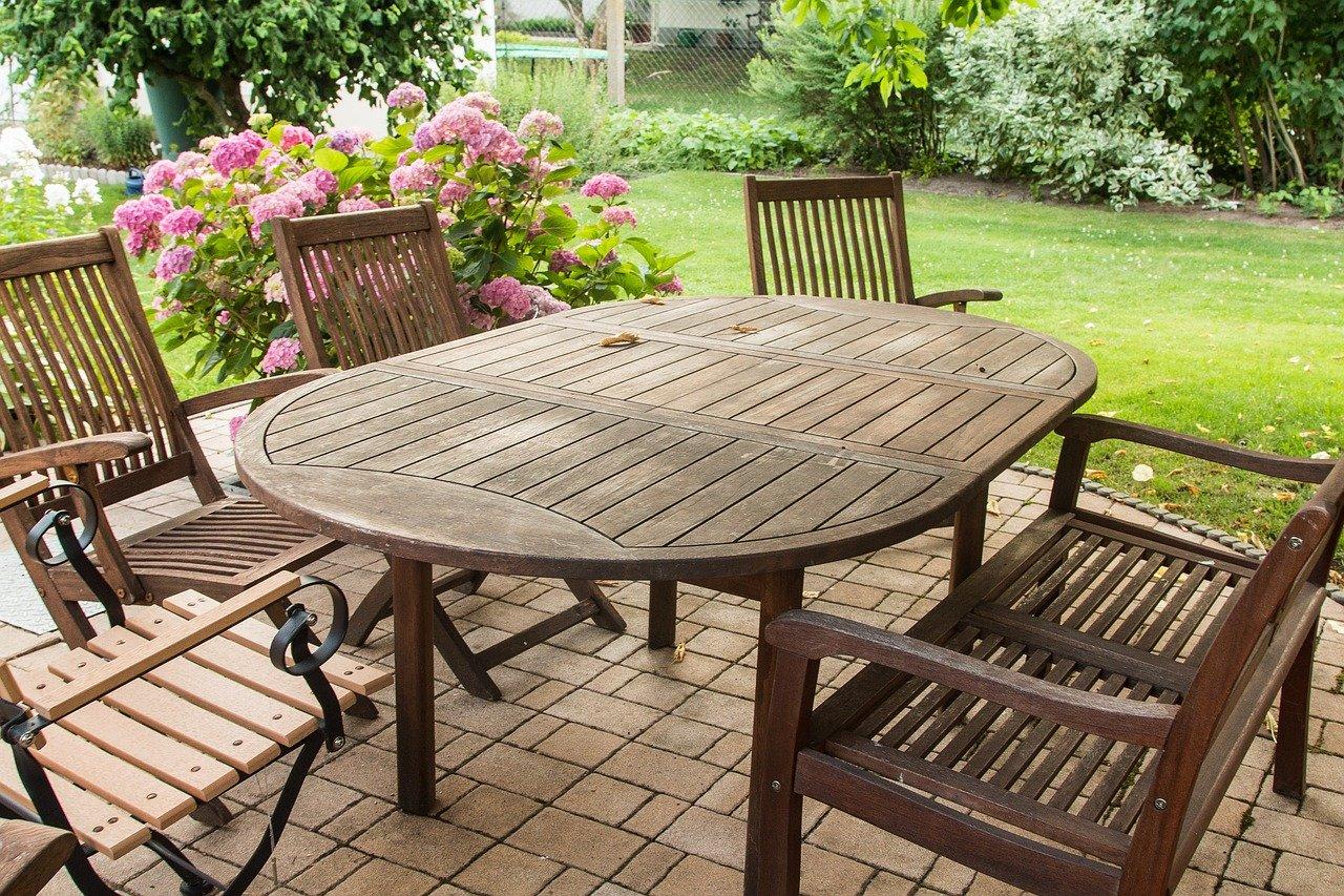 Krzesła ogrodowe – komfort i funkcjonalność