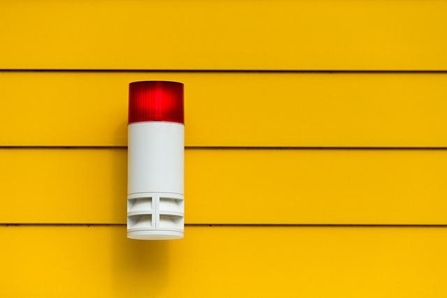 Bezpieczny dom: systemy alarmowe dla prywatnych mieszkań