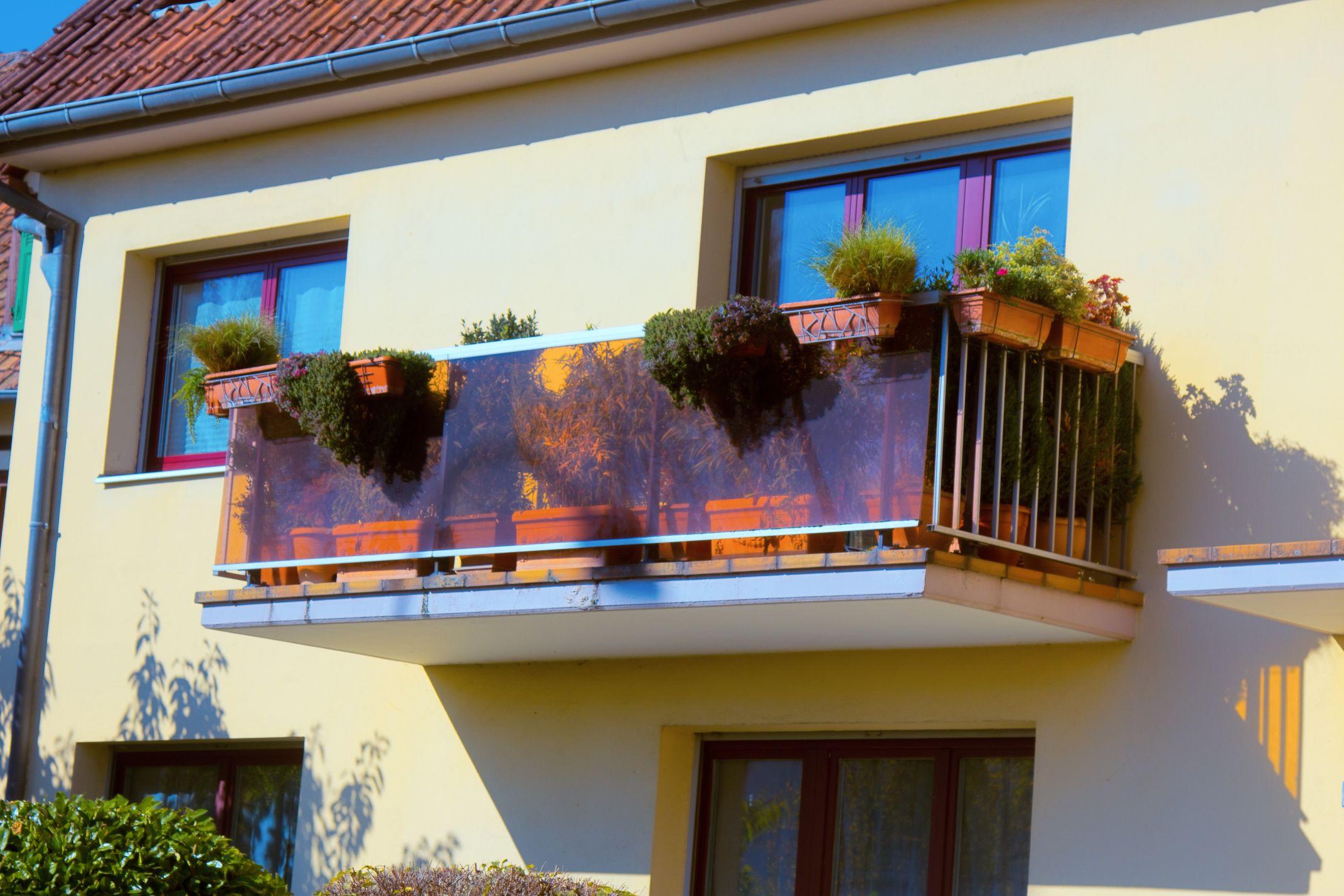 Jak wygląda izolowanie balkonu pianą PUR?