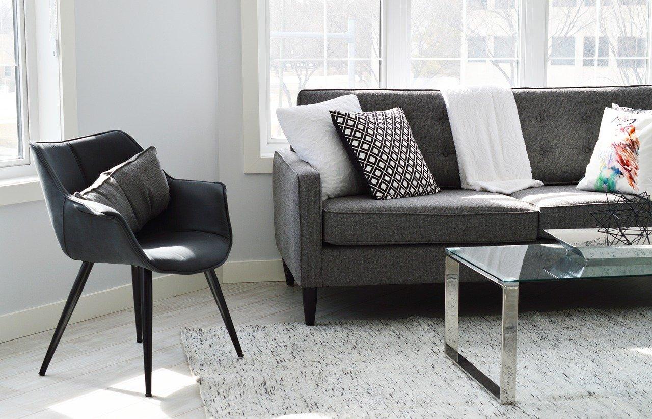 Na jakie krzesła do salonu warto się zdecydować?