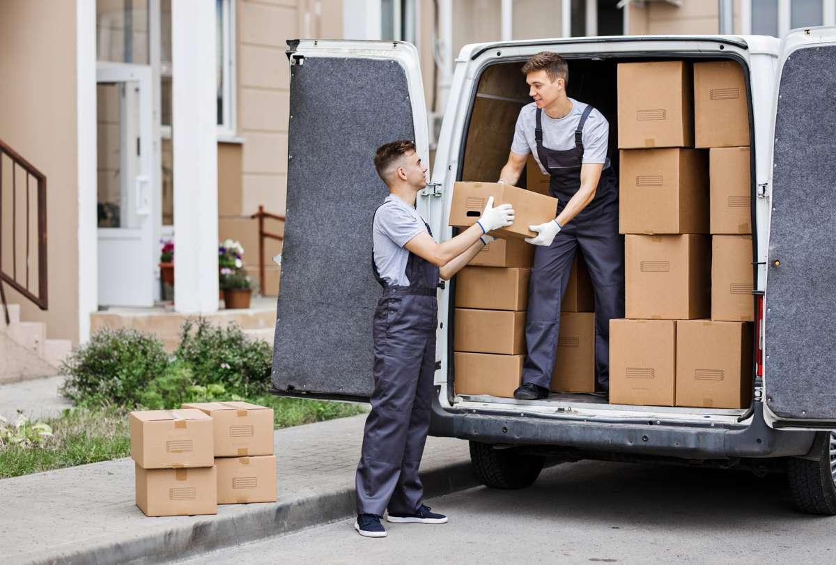Prowadzisz sklep internetowy? Sprawdź, co warto wykorzystać do bezpiecznego pakowania przesyłek