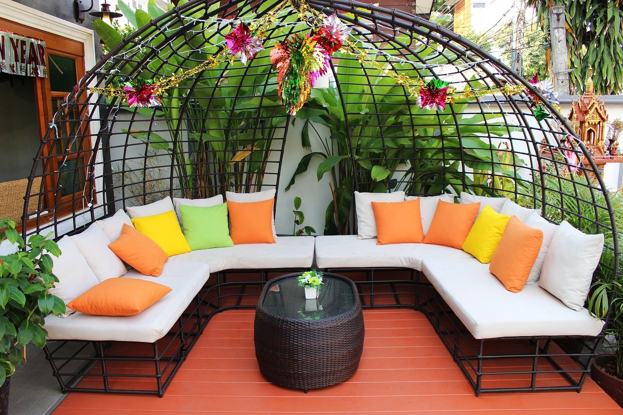 Sofa ogrodowa – królowa wypoczynku